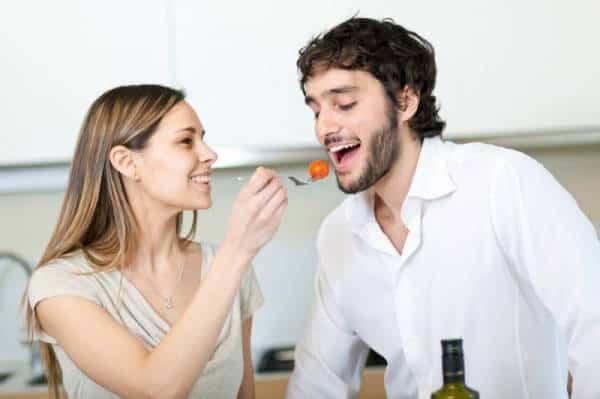 Tâm lý con trai khi chọn bạn gái - sự thông cảm