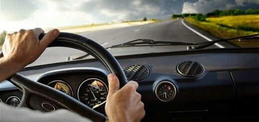 Các mẹo để tỉnh táo khi lái xe đường dài