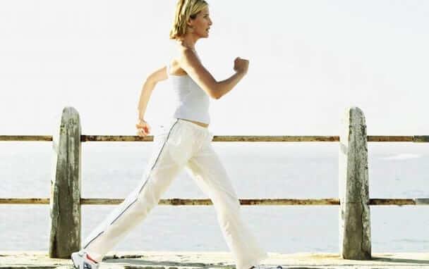 tâm lý con gái ngày đèn đỏ - tập thể dục nhẹ nhàng để giảm căng thẳng